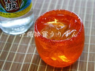 泡たるグラス紅,琉球ガラスの気泡入り赤い樽形グラス