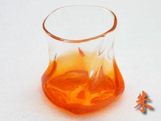 オレンジ色のロックグラス